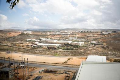 موقع عبري: 43% يفكرون بإغلاق مصالحهم التجارية في مستوطنات غلاف غزة