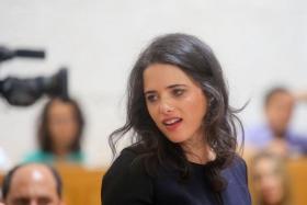 شاكيد: هجرة الغزيين مصلحة إسرائيلية