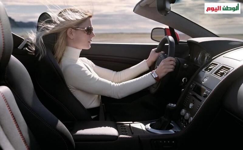 للسيدات.. أفضل الأماكن لوضع حقيبة اليد في السيارة