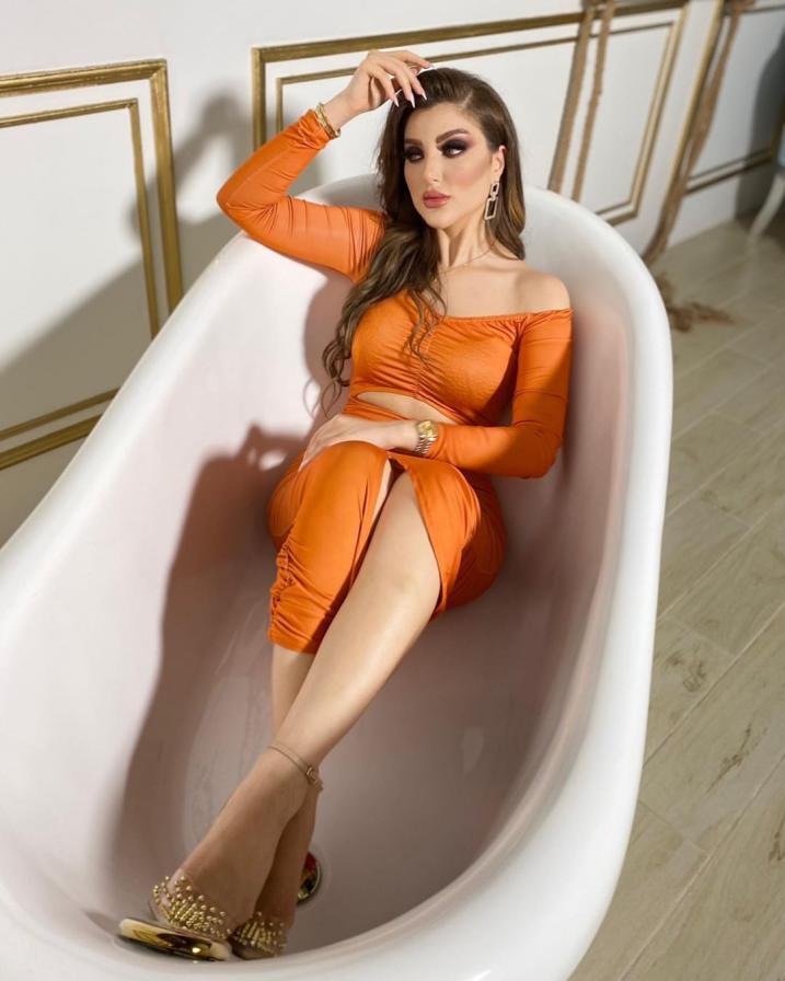 صور عارضة الأزياء الحسناء المغربية سارة العمراني