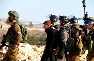 جيش الاحتلال يشن حملة اعتقالات و مداهمات في مدن الضفة
