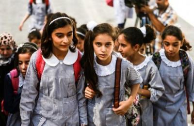"""""""الأونروا"""" تكشف عن آلية عودة طلابها بغزة إلى مقاعد الدراسة"""