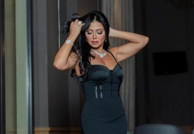 كشفت ما تحت الأسود.. شاهد رانيا يوسف تتألق في أحدث إطلالة لها
