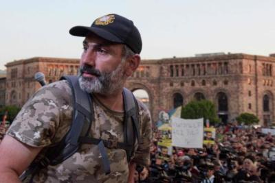 رئيس الوزراء الأرميني يقترح على إسرائيل إرسال المساعدات للمرتزقة في قره باغ بدل أرمينيا