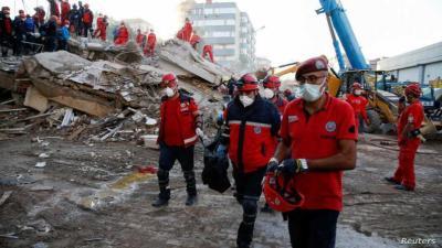 تركيا : ارتفاع عدد قتلى زلزال إزمير إلى أكثر من 100 وعمليات البحث مستمرة