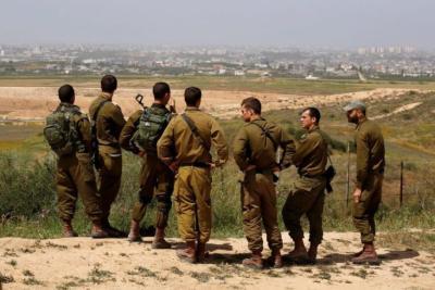 """ضابط: """"إسرائيل"""" تقف على أصابع قدميها أمام """"غزة"""" والرد بالطيران سخيف"""