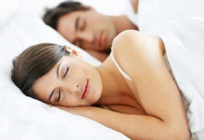 روتين وقت النوم يمكن أن ينقذ زواجك