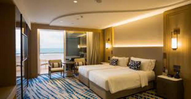 مدير فندق بدبي : الإسرائيليون يسرقون كل ما بالغرف