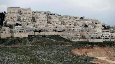 صحيفة عبرية : مخطط لشرعنه 70 بؤرة استيطانية في الضفة الغربية