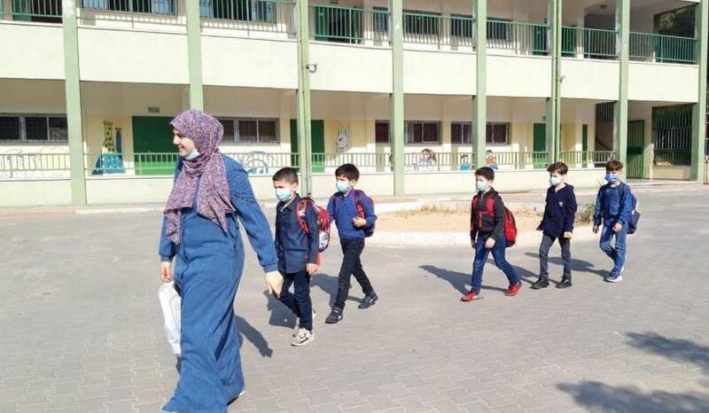تعليم غزة: تنفيذ خطة العودة الآمنة للمدارس والتوسع في التعليم عن بعد