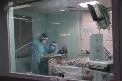 غزة.. تحذير طبي لأصحاب الأمراض المزمنة من خطورة الإصابة بفيروس (كورونا)