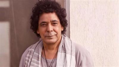 """شاهد اليوم.. أول تعليق لـ """"محمد منير"""" بعد مروره بوعكة الصحية"""