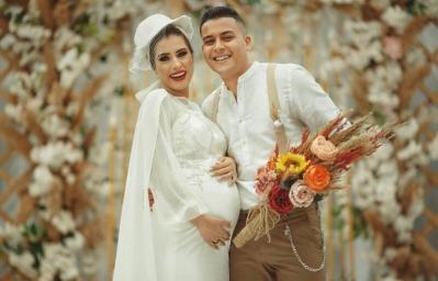 """""""العروس الحامل"""" تثير ضجة في مصر.. وزوجها يوضح!"""