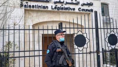 هل يُفشل ملف الاعتقال السياسي في الضفة وغزة الانتخابات الفلسطينية المقبلة؟
