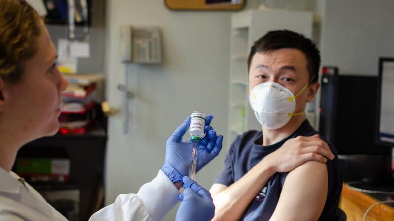 80 مليون صيني يتلقون التطعيم بلقاحات (كورونا)