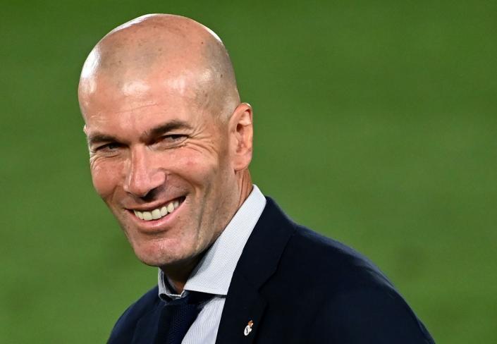 لعشاق ريال مدريد.. زيدان يزف الخبر السعيد عشية