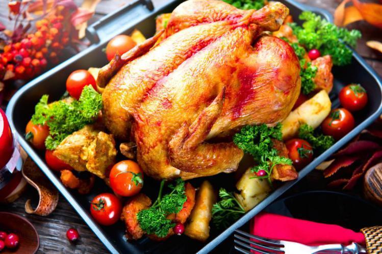 دجاج مشوي بالزيتون والليمون وطريقة تحضيره