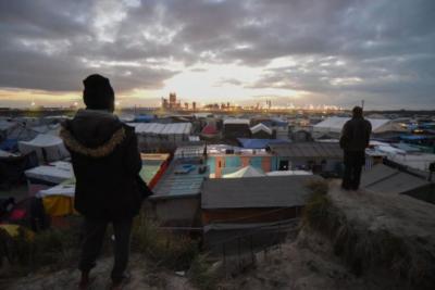 هل يصبح المهاجرون كبش فداء جديداً لـ (كورونا) عند إعادة فتح حدود أوروبا؟