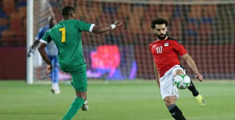 مراوغة ميسي وحصار السيلفي.. محمد صلاح يخطف الأنظار في مباراة جزر القمر