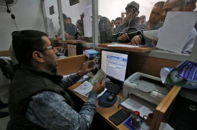 مالية غزة تعلن موعد صرف مخصصات ذوي الشهداء والجرحى والأسرى والمحررين المقطوعة رواتبهم