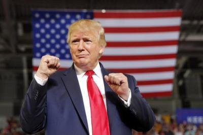 """عاد لينتقم.. ترامب يتوعد """"تويتر"""" و""""فيسبوك"""": منصتي الخاصة جاهزة"""