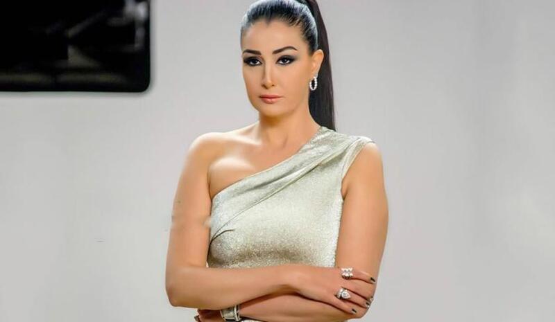 شاهد.. غادة عبد الرازق تدهش متابعيها بلوك جديد