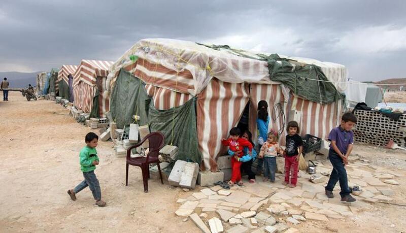 اللاجئين في لبنان يطالبون