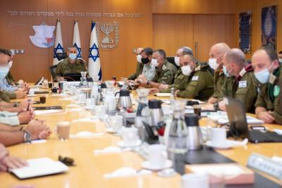 إسرائيل تكشف تفاصيل اجتماع قادة الجيش للرد على صواريخ قطاع غزة