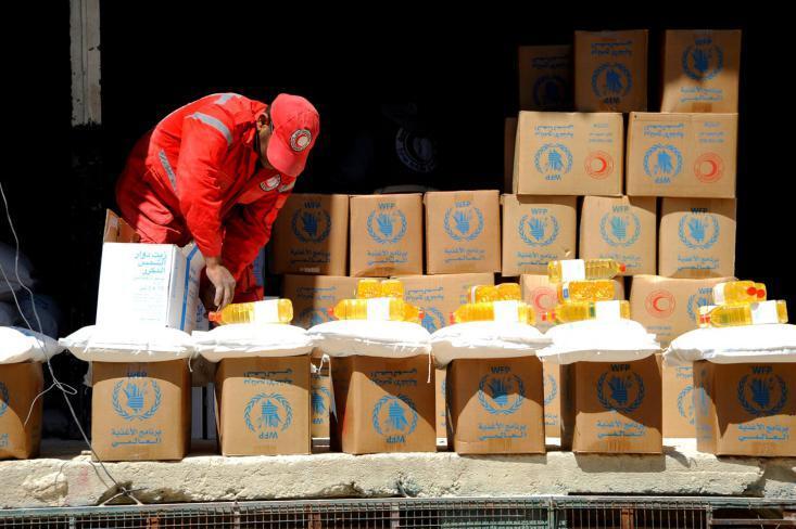 3250 عائلة تستفيد من المواد الإغاثية في مخيم الوافدين