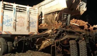 مصر... اصطدام قطار السويس مع سيارة نقل ومصرع وإصابة شخصين