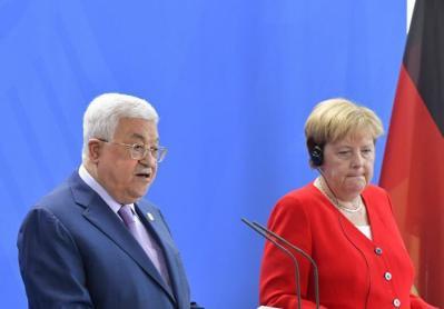 ميركل لم تلتق بالرئيس أبو مازن خلال زيارته إلى ألمانيا لهذا السبب