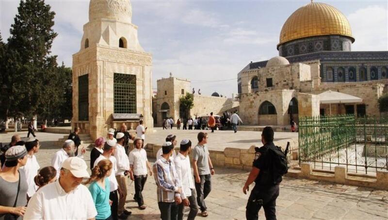 مستوطنين يقتحمون الأقصى تحضيرا لاقتحام واسع في 28 رمضان