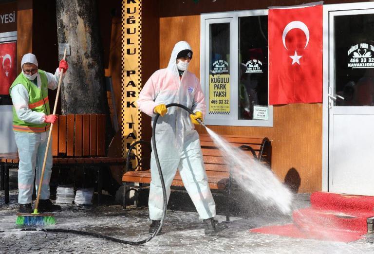 تركيا تسجل أعلى حصيلة إصابات يومية بـ (كورونا) منذ الجائحة