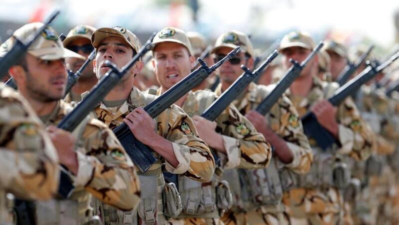 خامنئي يدعو الجيش الإيراني إلى رفع جاهزيته وسط توتر مع إسرائيل
