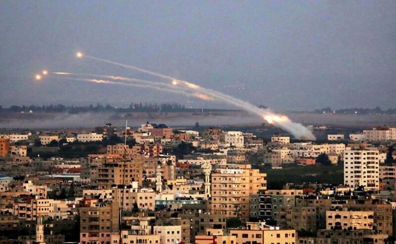 ضباط في جيش الاحتلال يحذرون : التصعيد مع قطاع غزة لم ينته