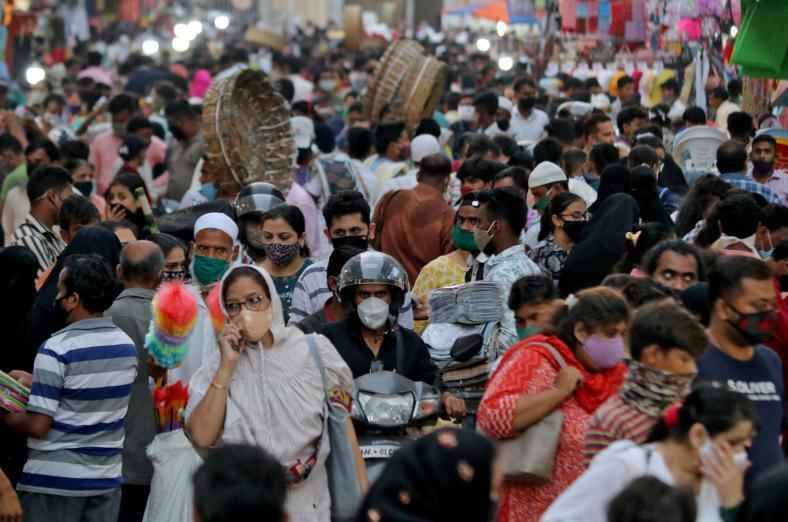 الصحة العالمية تطالب الهند بفرض قيود على التنقلات والاختلاط لمكافحة (كورونا)