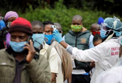 """""""الصحة العالمية"""" تحذر من موجة جديدة لـ (كورونا) في أفريقيا"""