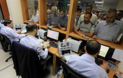 غزة: وزارة المالية رفضت صرف دفعة قبل عيد الفطر.. لهذا السبب