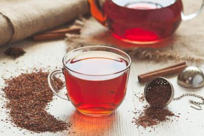كيف يعمل الشاي الساخن على تبريد الجسم في الصيف؟