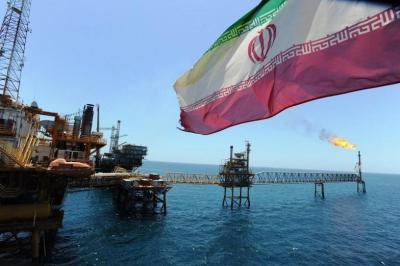 تراجع أسعار النفط وسط مخاوف استئناف إمدادات الخام الإيرانية