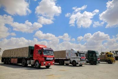 الإعلام العبري: تل أبيب تبعث رسالة الى القاهرة حول إدخال مواد البناء إلى غزة