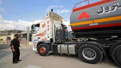 إسرائيل تقرر منع إدخال (24) شاحنة وقود إلى قطاع غزة