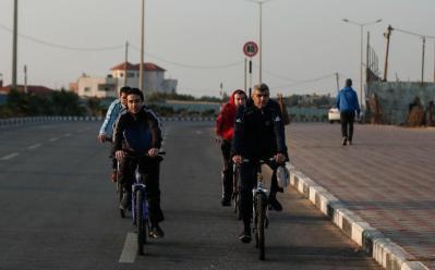 إسرائيل يقرر توسيع مساحة الصيد وتقديم تسهيلات جديدة لقطاع غزة