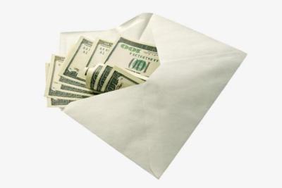 فاعل خير يوزع أموالاً في ظرف مُغلق يومياً على المحتاجين!