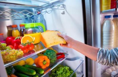4 خطوات تخليكي تحافظي على برودة الثلاجة.. جربيها