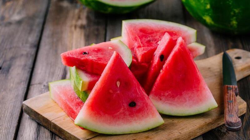 علامات في البطيخ تشير إلى خطورة شديدة على صحتك.. احذرها