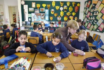 وزارة التعليم الإسرائيلية: نقص كبير في الصفوف الدراسية والحكم المحلي يحذر