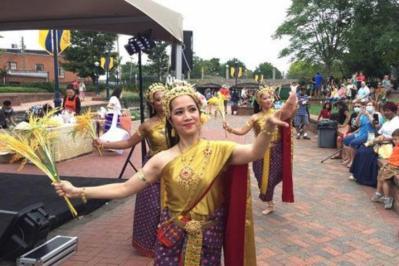 انطلاق مهرجان المياه التايلاندي المركز الأمريكي الآسيوي في فريدريك