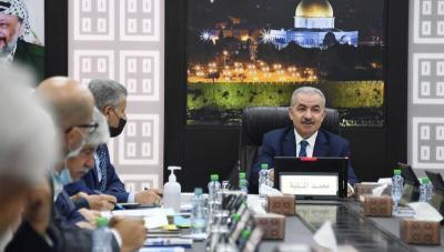 اشتية يدعو الأمم المتحدة لإلزام إسرائيل بتطبيق اتفاقية جنيف الثالثة المتعلقة بالأسرى