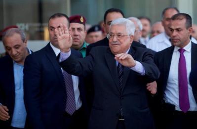 """موقع عبري: """"أبو مازن"""" أجرى اتصالًا بـ """"غانتس"""".. وهذه تفاصيل المحادثة"""